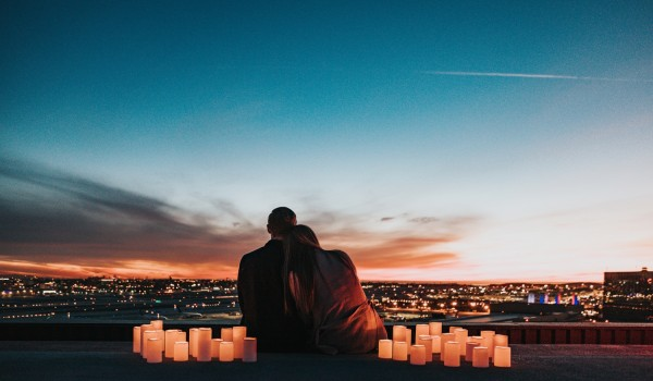 How to create an extra romantic night with your partner!